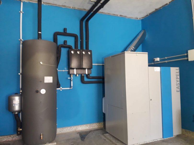 Caldera de pellets Easypell 32KW en Vigo, Candeán