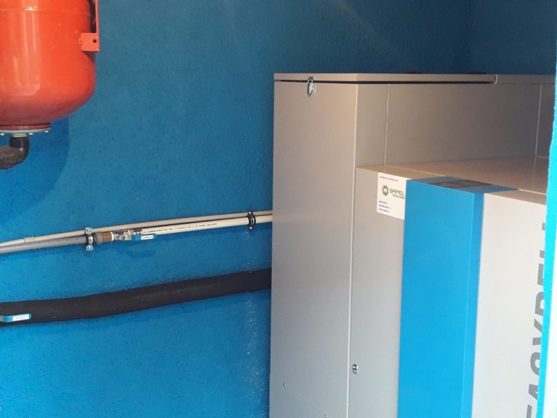 Caldera de pellets Easypell de 32KW ubicada en Ponteareas(Pontevedra)