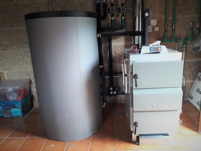 Caldera de leña Vigas 25KW ubicada en Zamáns(Vigo)