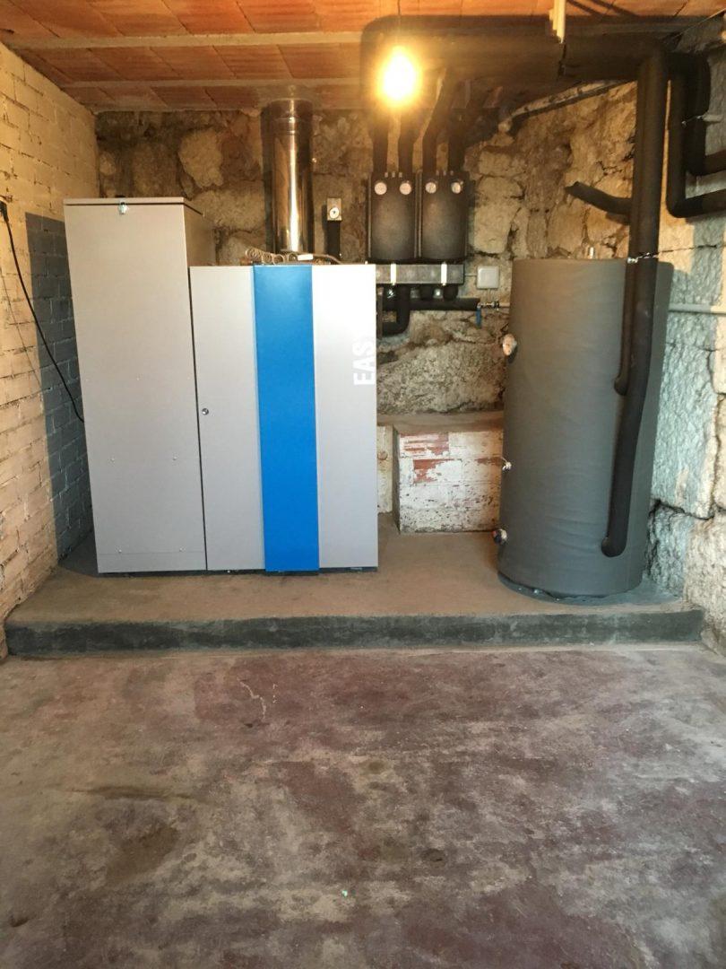 Caldera de pellets Easypell de 32KW ubicada en Beluso(Bueu)