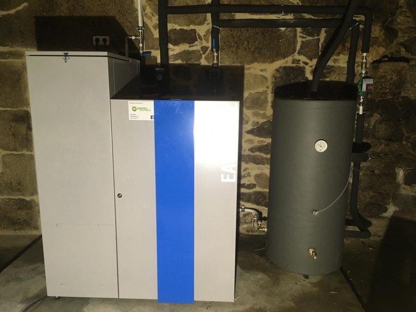 Caldera de pellets Easypell de potencia 32KW ubicada en Cotovade