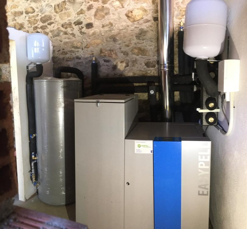 Caldera de Pellets Easypell 20kW instalada en Santiago (Sigüeiro)