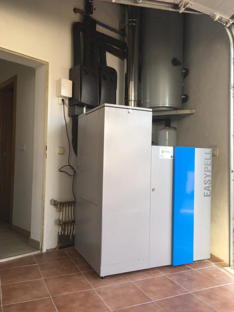Caldera de Pellets Easypell 20kW instalada en Pazos de Borbén (Cuartos de Borbén)