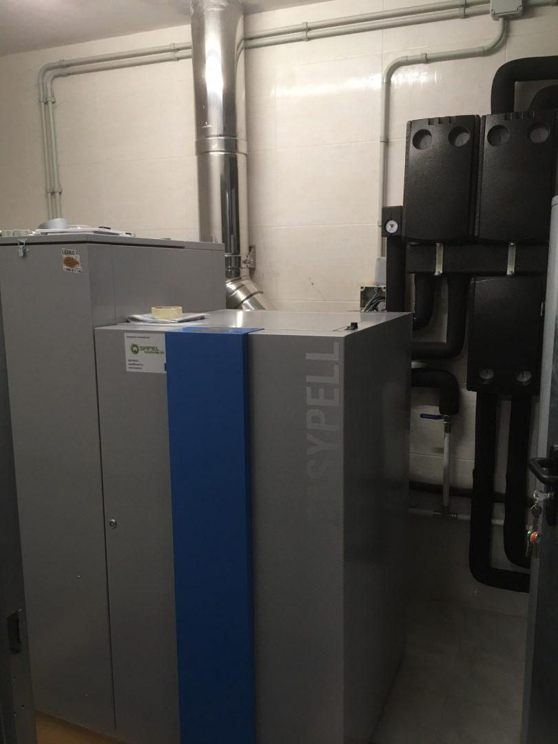 Caldera de Pellets Easypell 32kW instalada en Sanxenxo