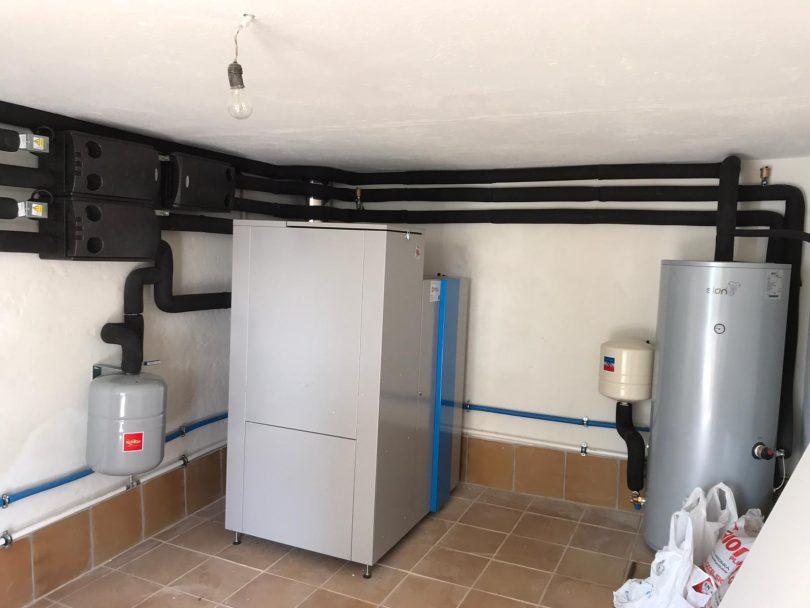 Caldera de Pellets 32kW instalada en Aguete(Marin)