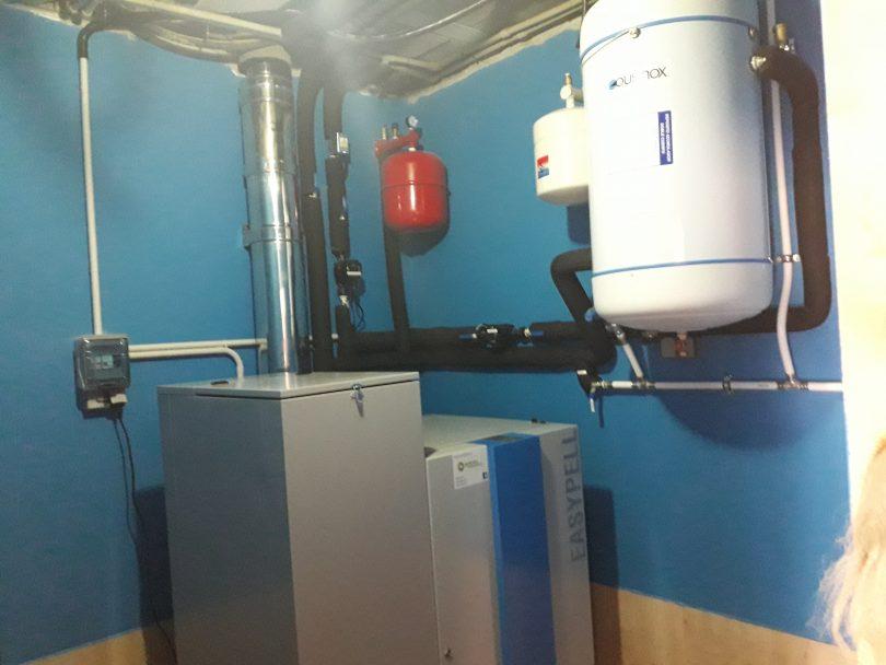 Caldera de Pellets 32kW instalada en Mos ( Torroso)