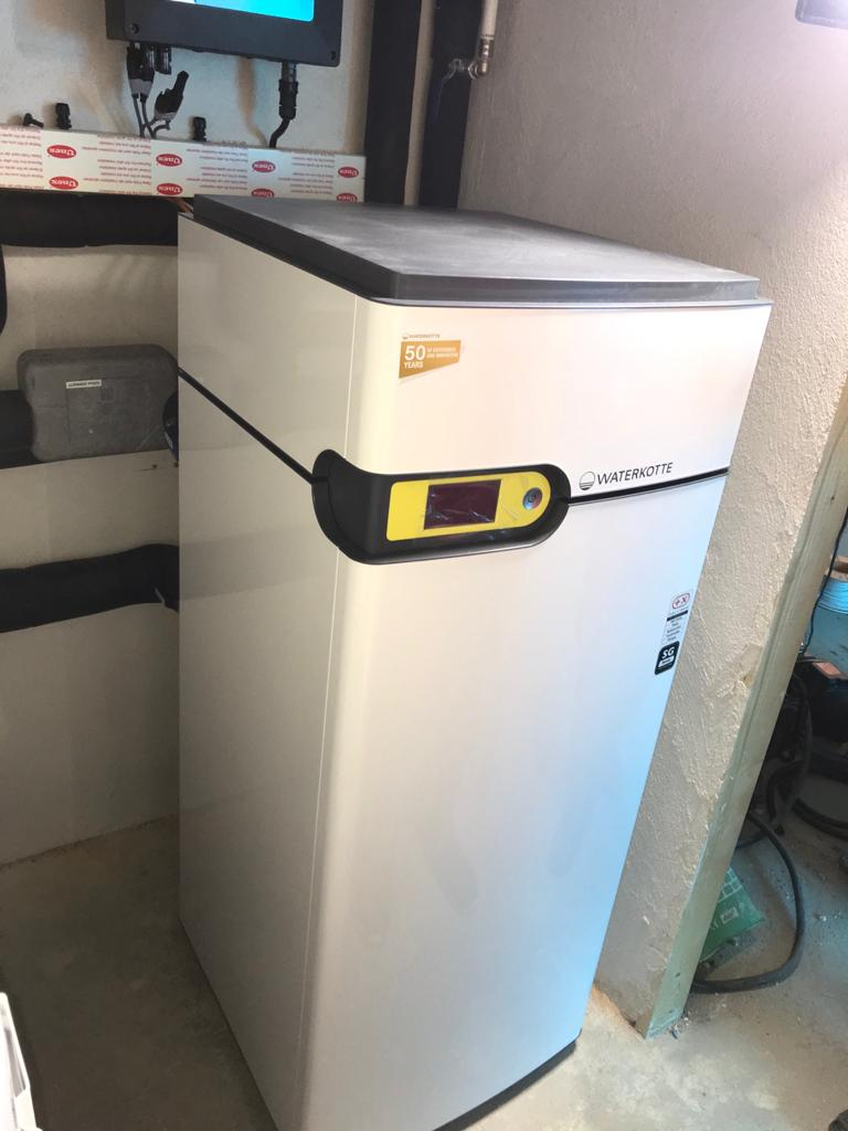 Geotermia Waterkotte 10kW instalada en Redondela ( Reboreda)